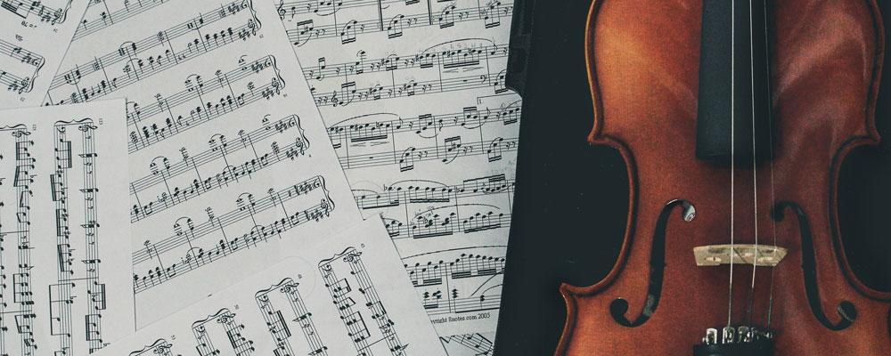Noten und Geige